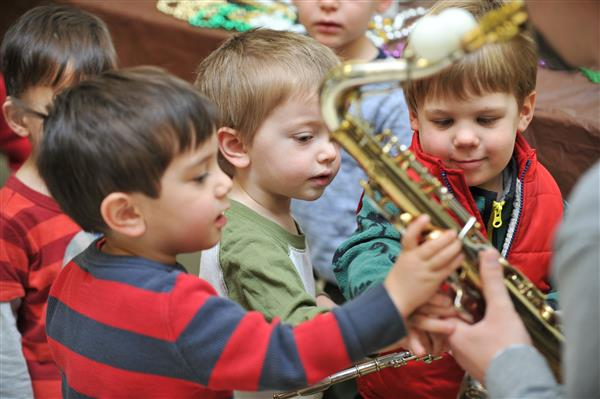 ECLC hosts 1st Annual Instrument Petting Zoo