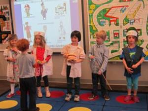 kindergarten Spanish students